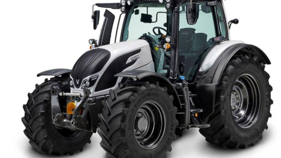 "Finalist in der Kategorie ""Tractor of the Year"": Valtra N 154 E Versu"
