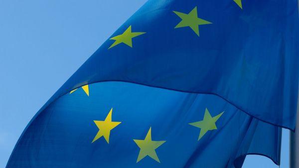 Straßburg - EU-Parlament billigt Handelsabkommen mit Singapur